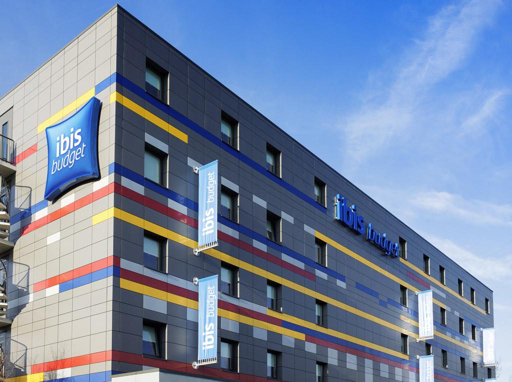 Het merkportfolio van ACCOR bestaat uit de luxe hotels Sofitel, Pullman, MGallery, Grand Mercure, de midscale-hotels Novotel, Suite Novotel, Mercure, Adagio en de economy-hotels ibis, ibis Styles, ibis budget en hotelF1. Bron: FranchiseFormules.NL