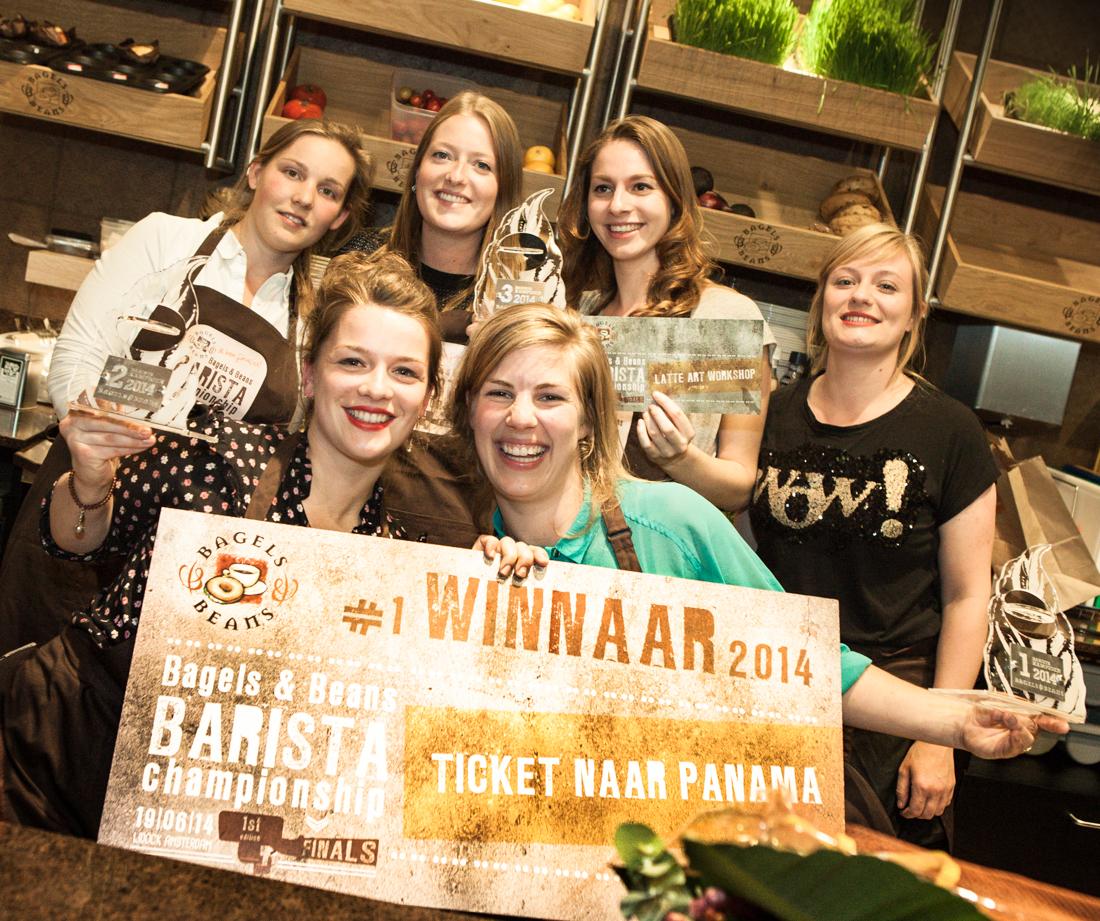 Bagels & Beans Barista Championship: Lenneke Schellingerhout (Utrecht) winnares, Wendy van Dijk (Heerlen) werd tweede en Marlous Teunissen (Deventer) eindigde als derde. Bron: FranchiseFormules.NL