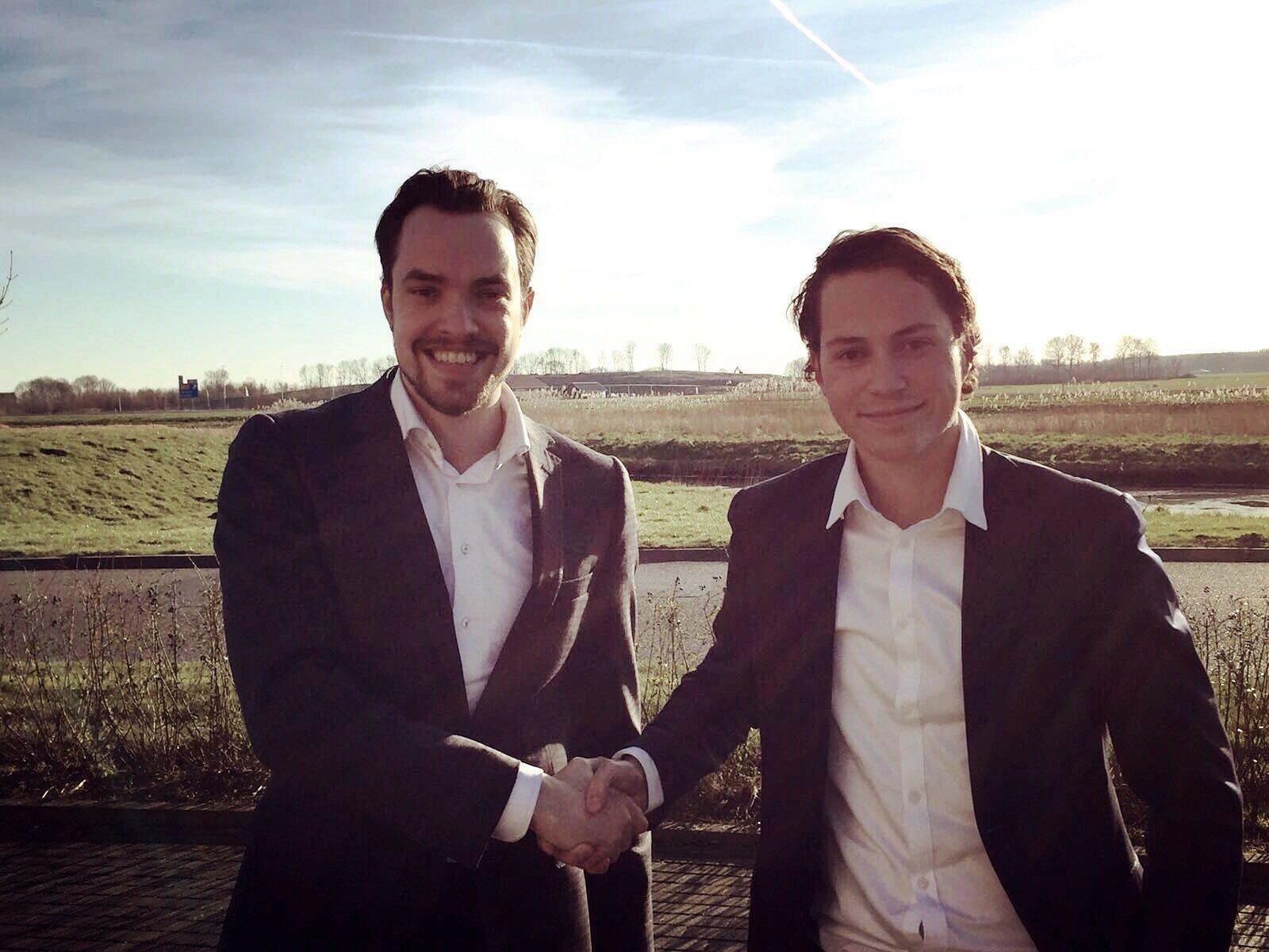 Crijn Janssen, franchisegever Straeus Incasso (l.) en Loyd Hendriks, franchisenemer Straetus Flevoland. Bron: FranchiseFormules.NL