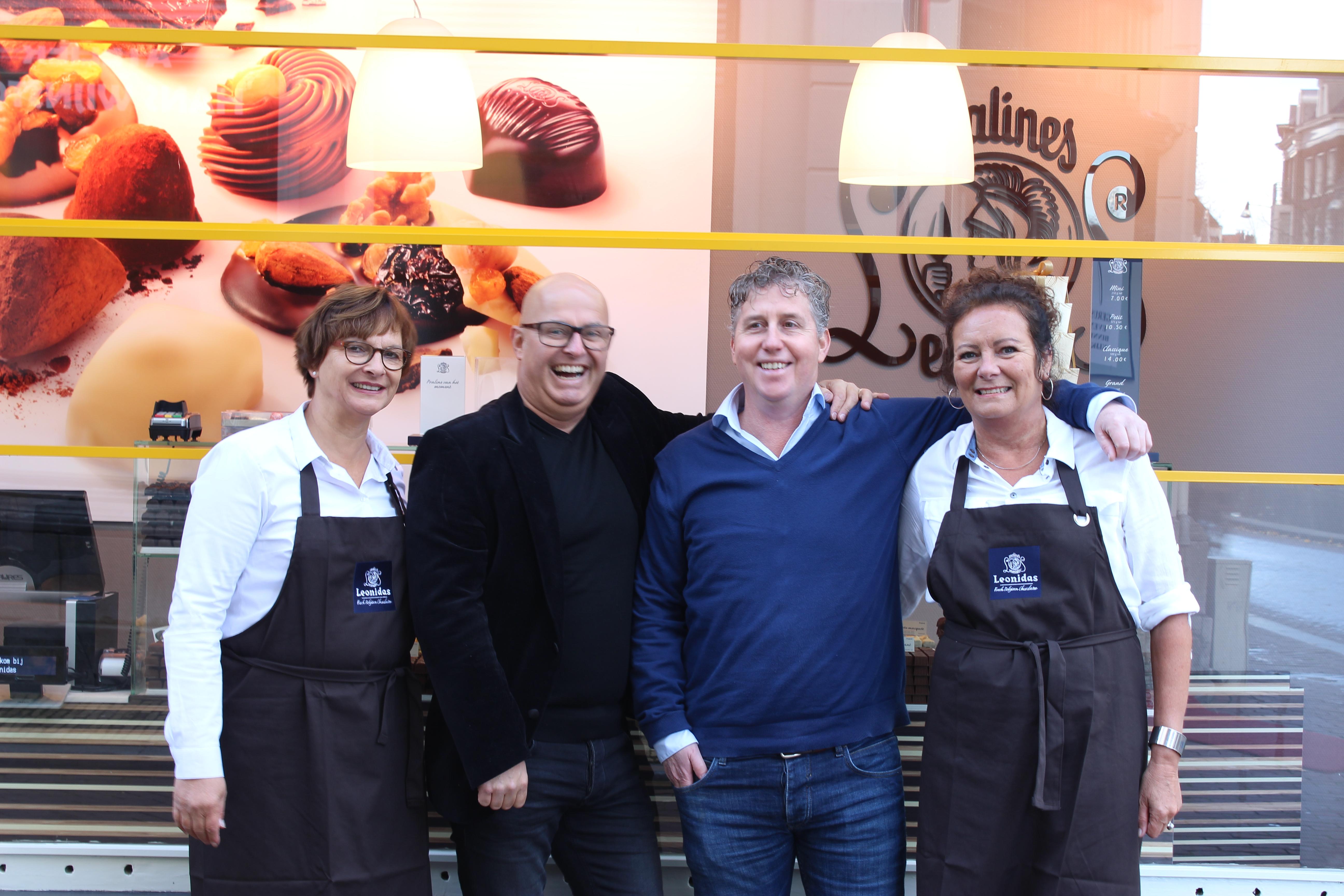 Op de foto v.l.n.r. Aly Kalter (gastvrouw), Ron Castelijns (initiatiefnemer), Jan-Piet Broersma (initiatiefnemer) en Annelies Postmus (gastvrouw). Bron: FranchiseFormules.NL
