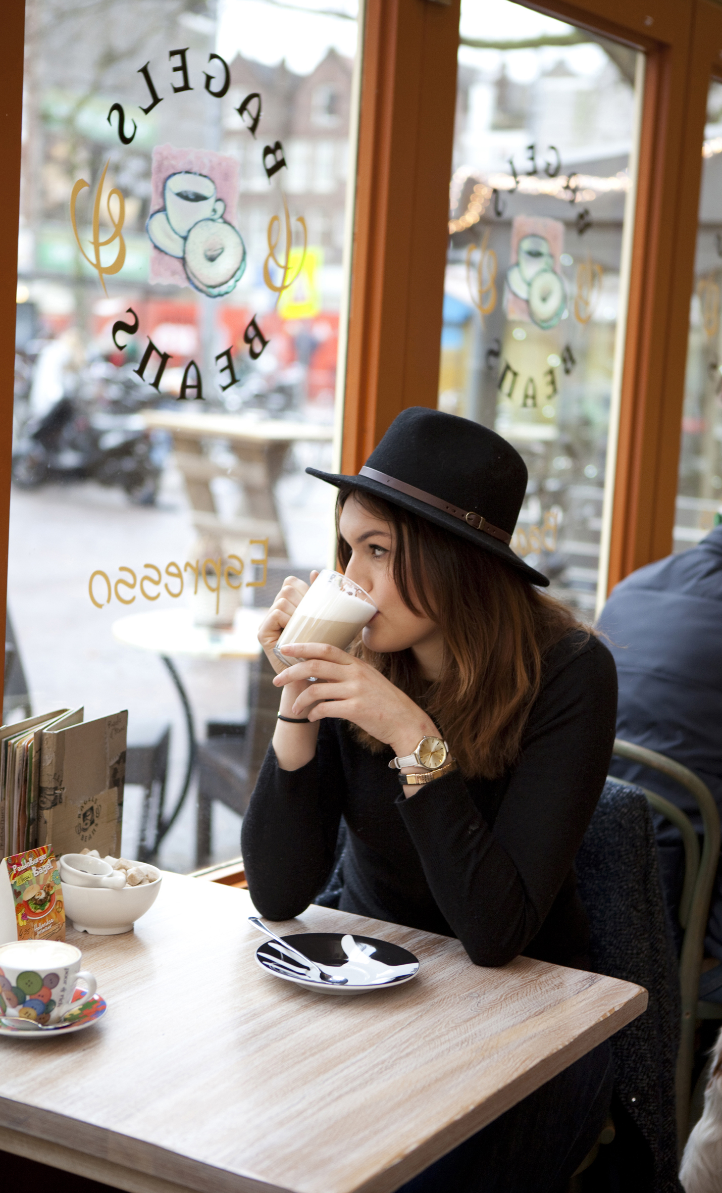 Bagels & Beans is een eigentijds horecaconcept dat in 1996 startte aan de Ferdinand Bolstraat in de Amsterdamse Pijp. Bron: FranchiseFormules.NL