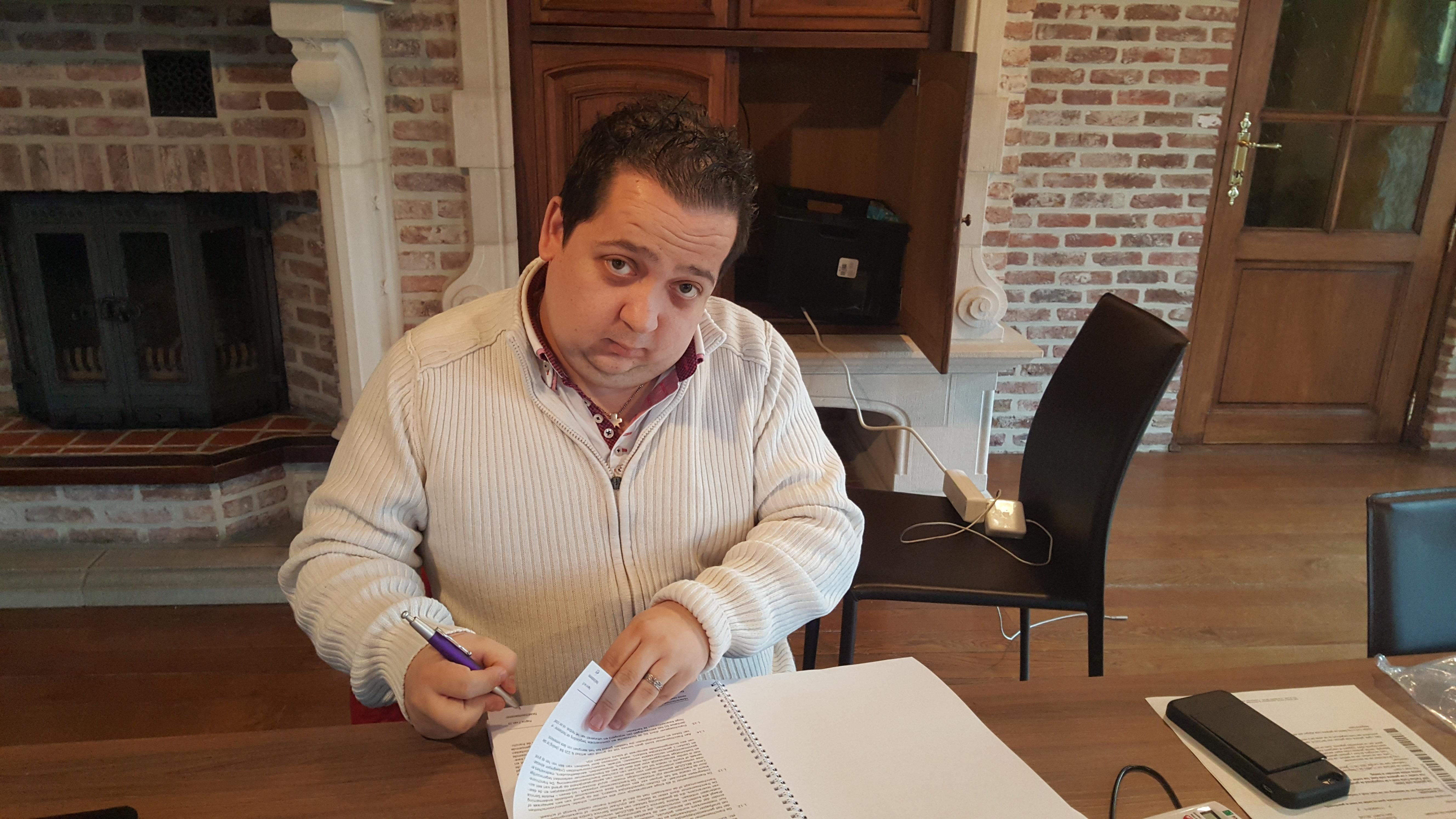 De snelgroeiende formule Mobile Service Centre heeft een franchise-overeenkomst gesloten met Glenn De Cuyper, zaakvoerder van een reeds bestaand telefoonreparatiebedrijf in Rumst (BE). Bron: FranchiseFormules.NL