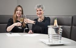 Celine Verheijen, Senior Stafmedewerker Sexuele Uitbuiting van kinderen ECPAT Nederland (links) en Caro van Eekelen, algemeen directeur Accor Hotels Nederland