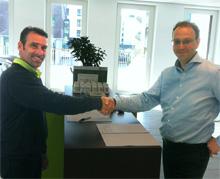 Op 31 mei ondertekende Tom Jochems, directeur Diemermere, het facilitair Shared Service Center van de Randstad groep in Nederland, namens Randstad het contract met Marcel Hogendorp van fit20 Amsterdam Zuidoost