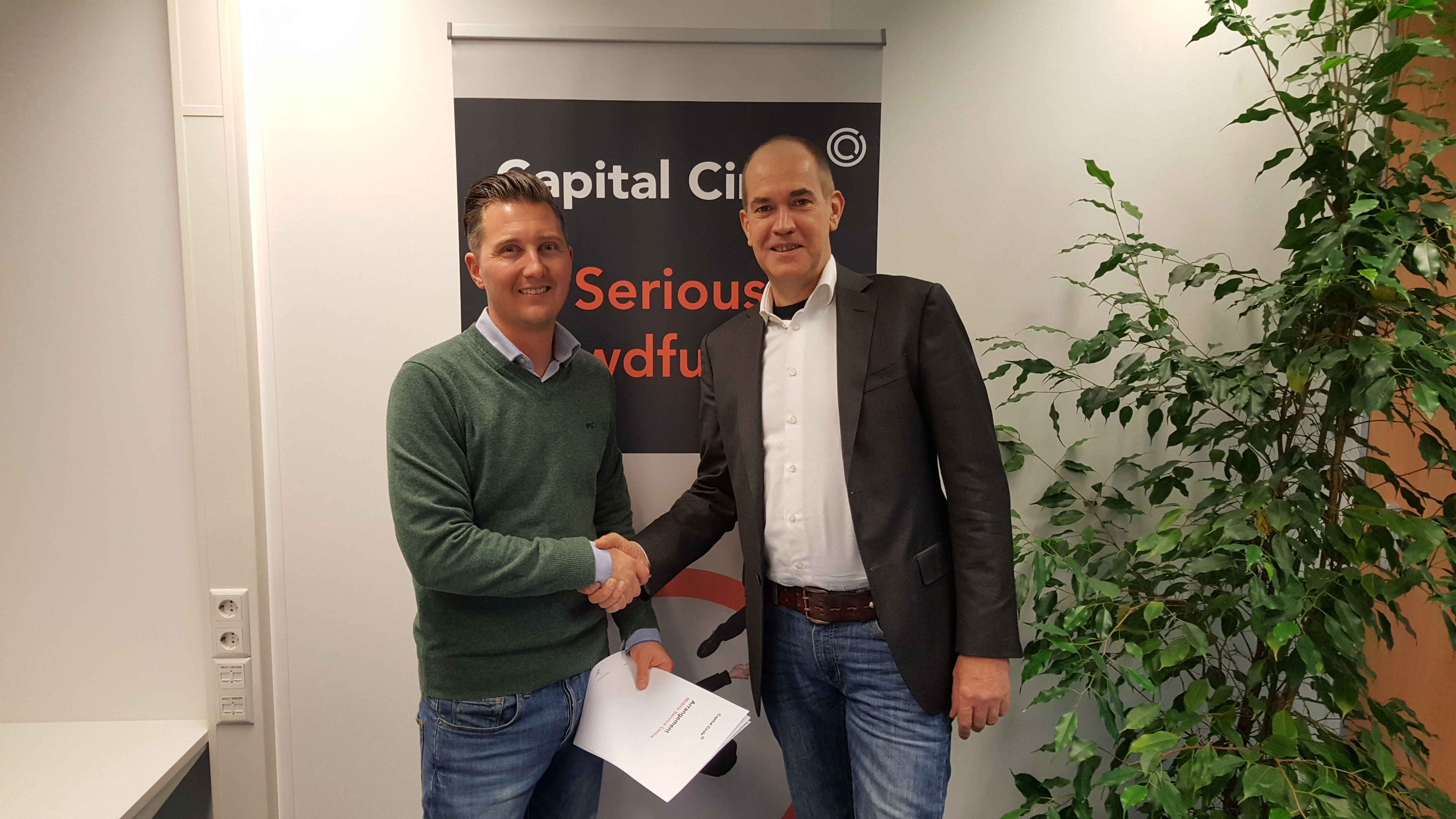 Links Cor de Graaf van Capital Circle en Rechts Gerard van den Heuvel van Mobile Service Centre. Bron: FranchiseFormules.NL