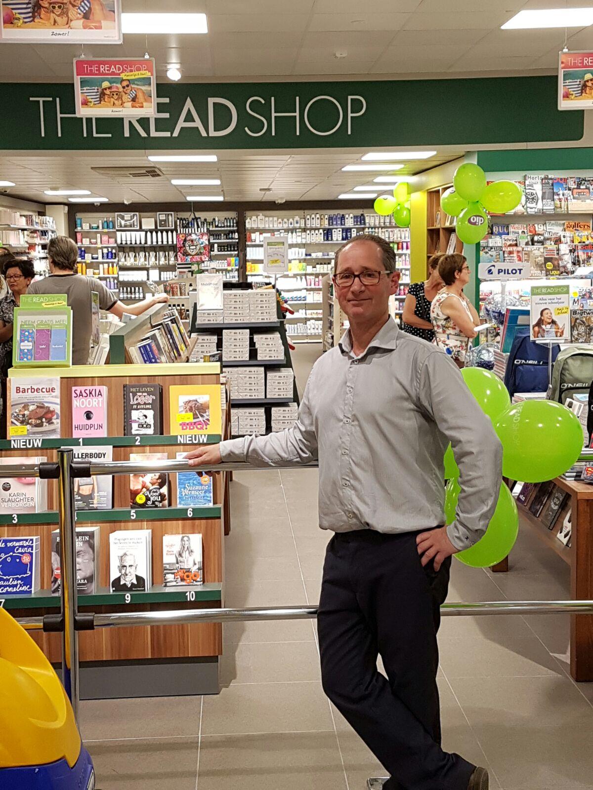 Supermarkt-eigenaar Wim Eijkemans heeft een D.I.O. drogisterij en een The Read Shop vestiging aan de winkel toegevoegd om de dienstverlening aan de klant verder te vergroten. Bron: FranchiseFormules.NL